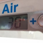 フィジーで車のタイヤ空気圧を調整してきました。